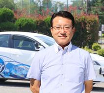 西多摩自動車学校 武内 雄司指導員『自動車免許をお考えのあなた!西多摩自動車へお立ち寄り下さい。』