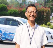 西多摩自動車学校 鶴崎 日出男指導員『1人になったときに困らないように指導いたします。』